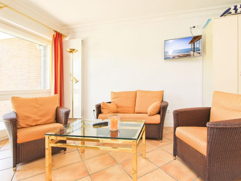 Couch-Garnitur im Wohn- und Schlafbereich