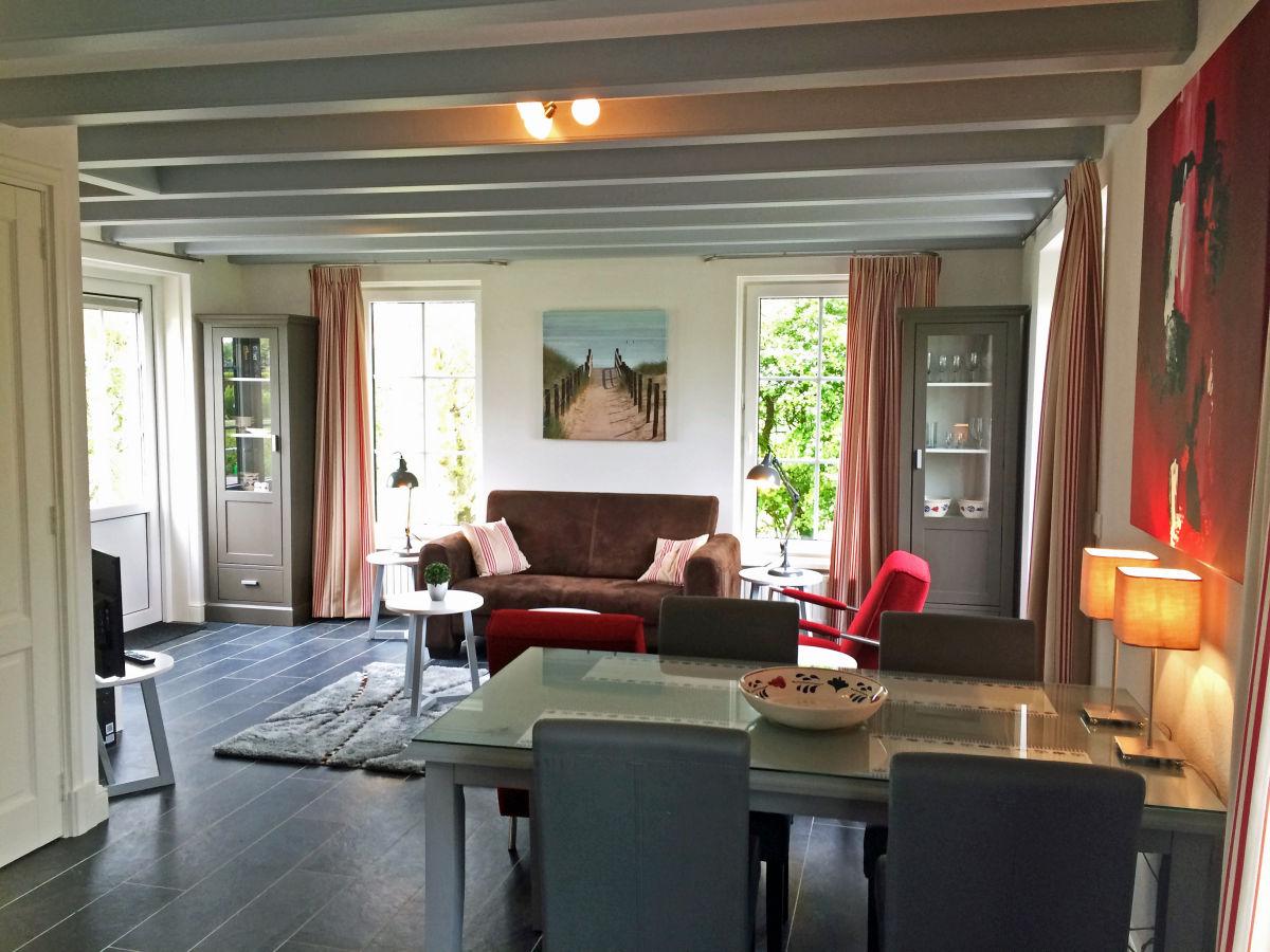 Ferienhaus het duvekot westkapelle firma for Eingerichtete wohnzimmer
