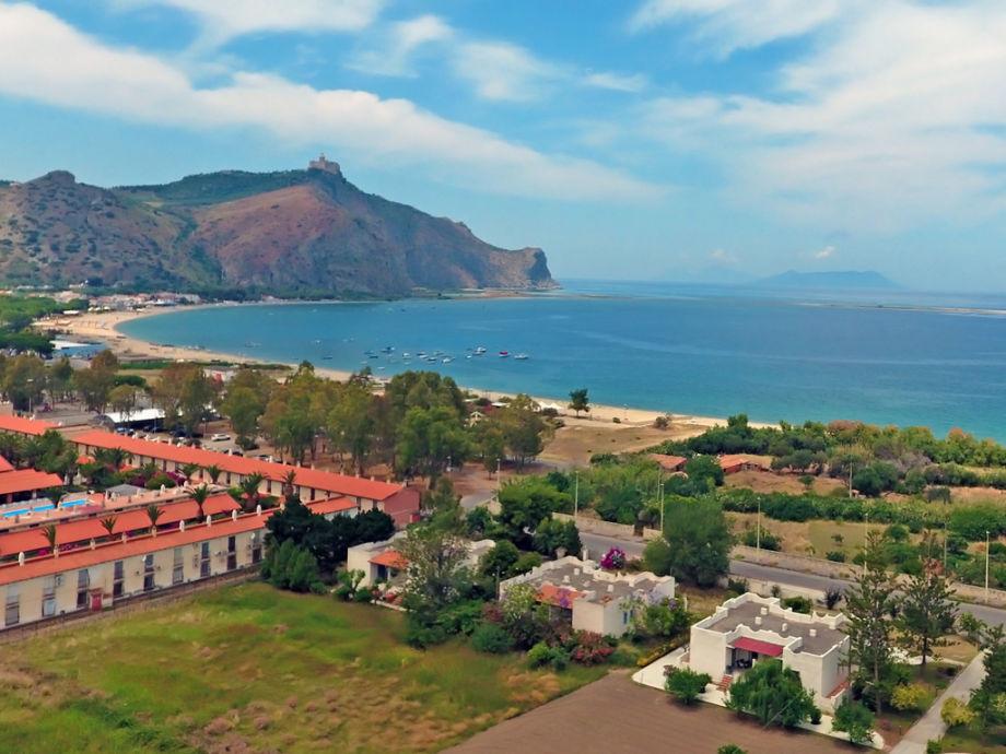 Die Ferienwohnung liegt nur 150 m vom Strand entfernt
