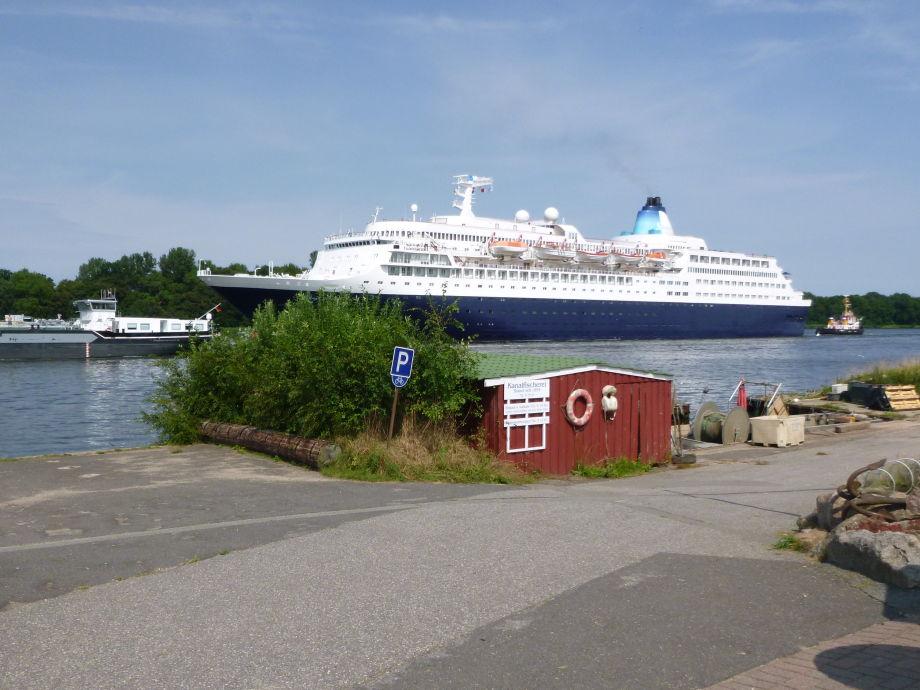 Vorbeiziehende Traumschiffe aus der ganzen Welt