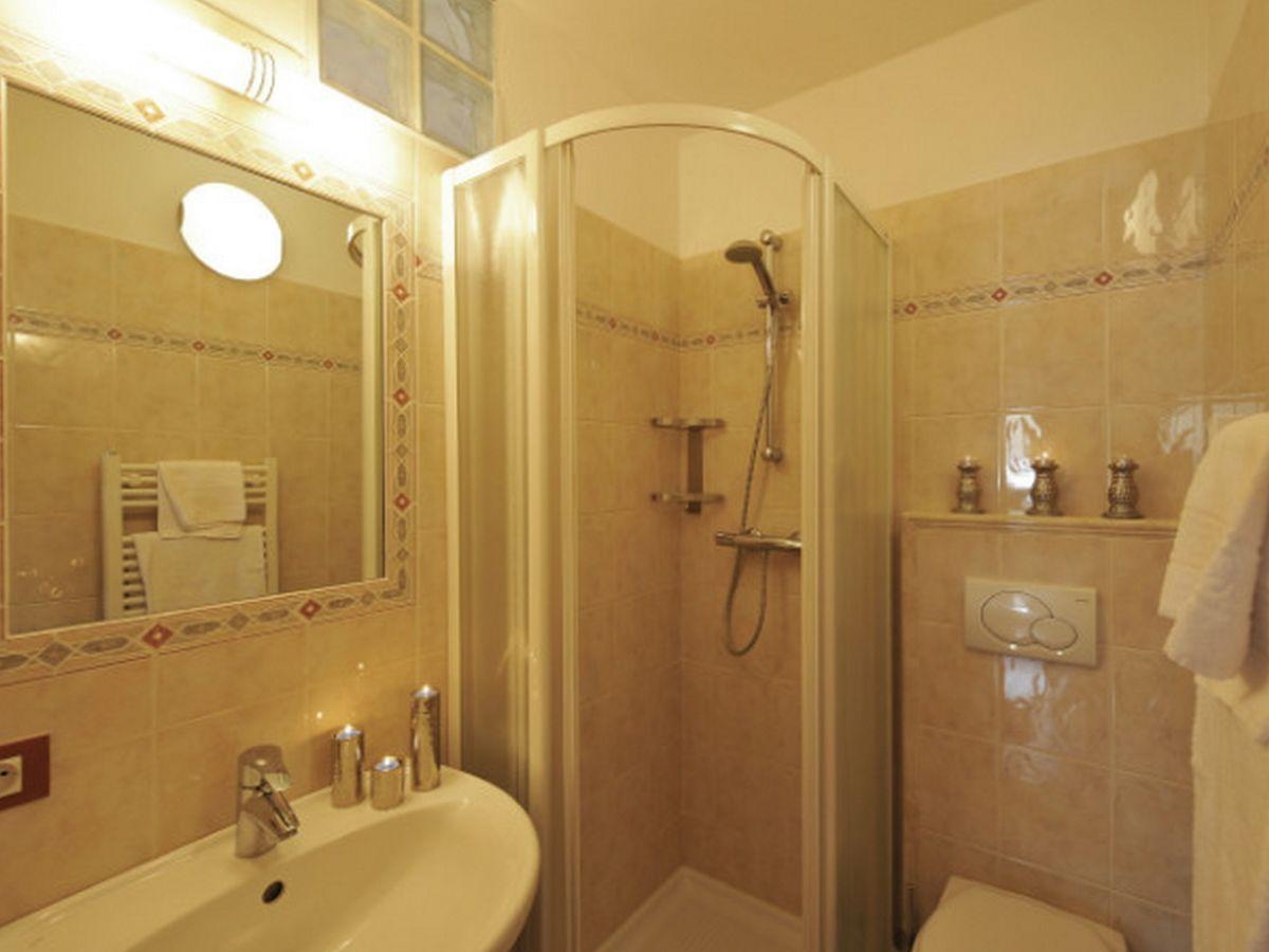 ferienwohnung stella alpina 935 livigno firma happy. Black Bedroom Furniture Sets. Home Design Ideas