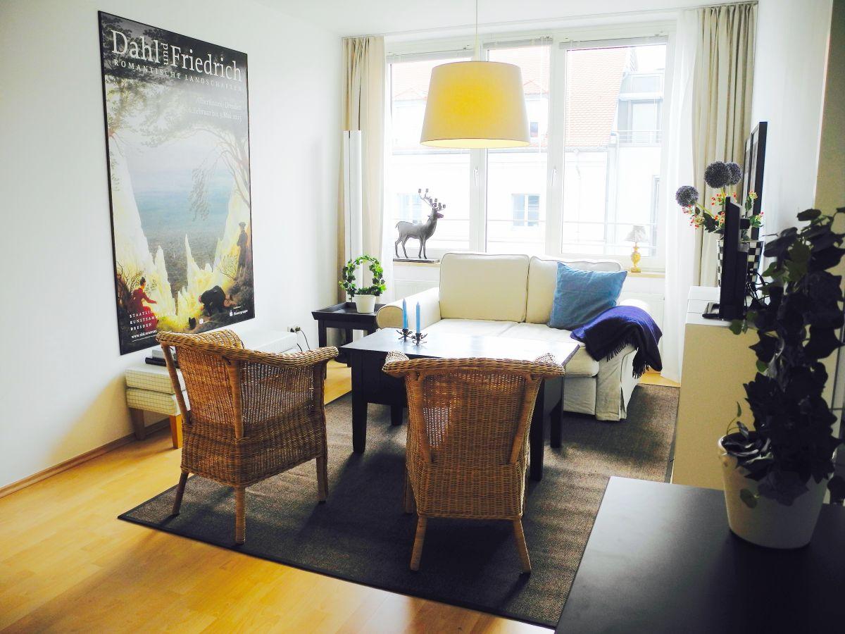 Ferienwohnung Apartment Am Waldschlosschen Dresden Frau Kathrin Apartments Stayinn Wohnzimmer