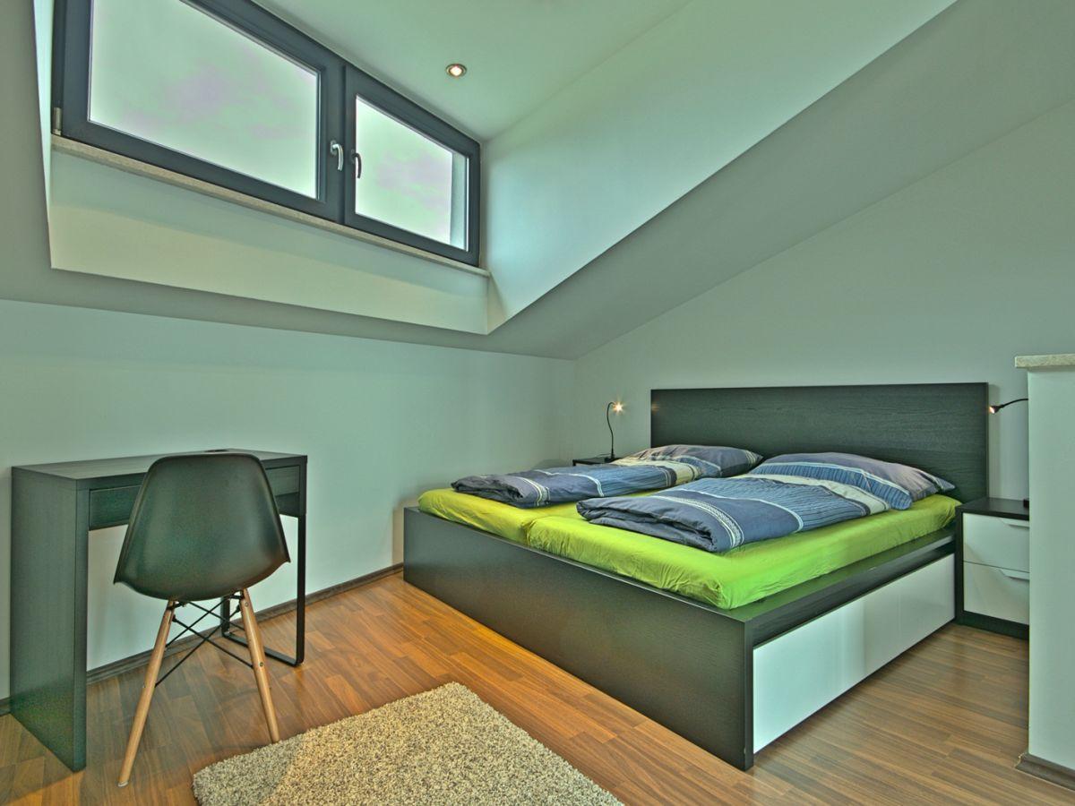 ferienhaus coleen leon porec funtana firma arlen. Black Bedroom Furniture Sets. Home Design Ideas