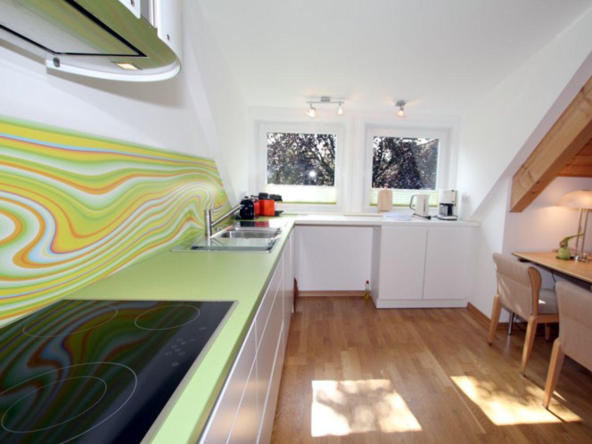 ferienwohnung 2 im haus liguster am gr nstreifen 29 f hr. Black Bedroom Furniture Sets. Home Design Ideas