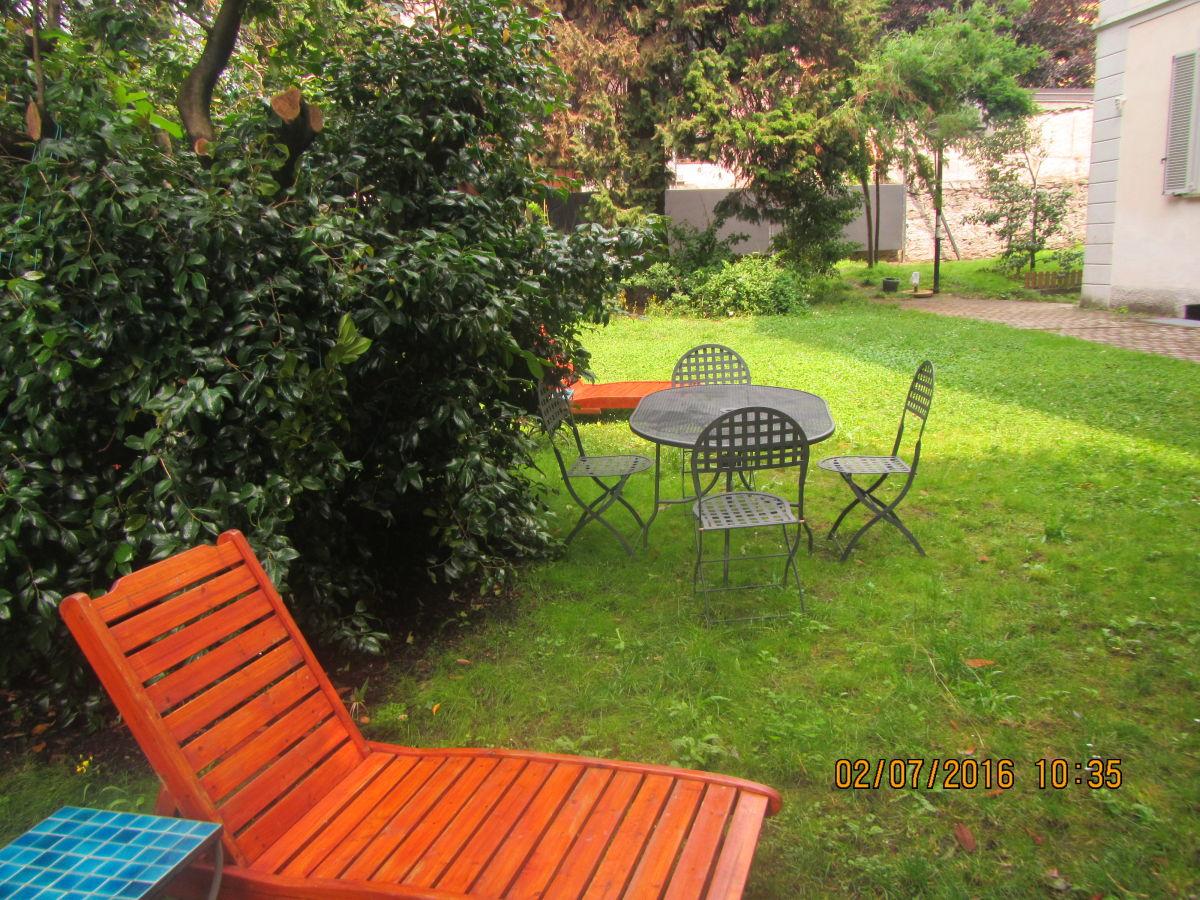 ferienwohnung in der villa cardano lago maggiore maccagno firma villa cardano firma villa. Black Bedroom Furniture Sets. Home Design Ideas