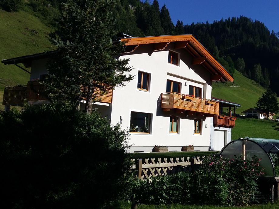 Haus Schönegger Sommerbild