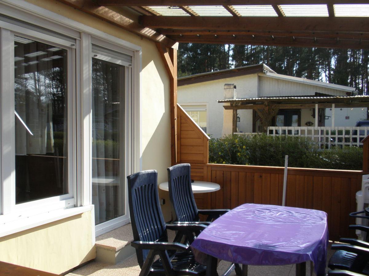 bungalow speldrich deutschland sachsen anhalt frau. Black Bedroom Furniture Sets. Home Design Ideas