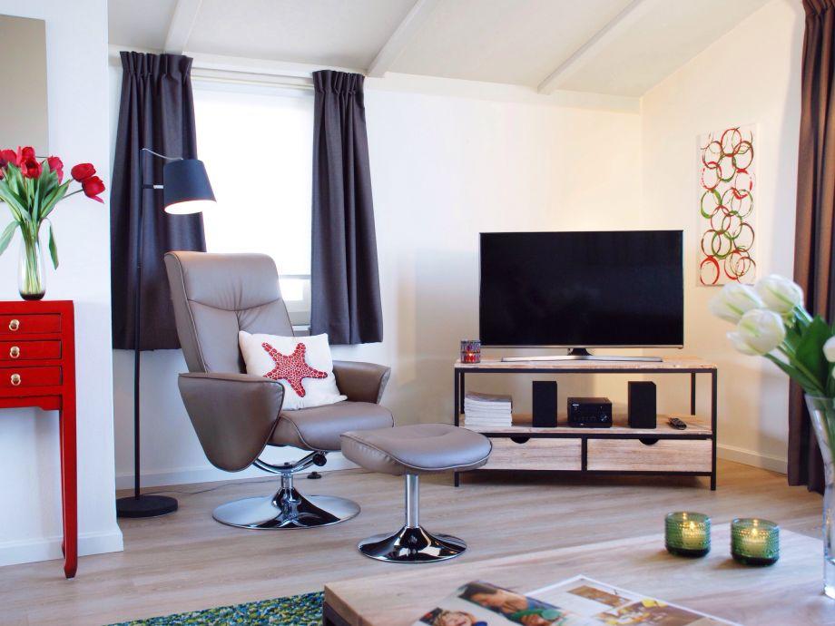 ferienhaus am strand kamperland zeeland firma ruiterplaat recreatiebeheer frau raissa besems. Black Bedroom Furniture Sets. Home Design Ideas