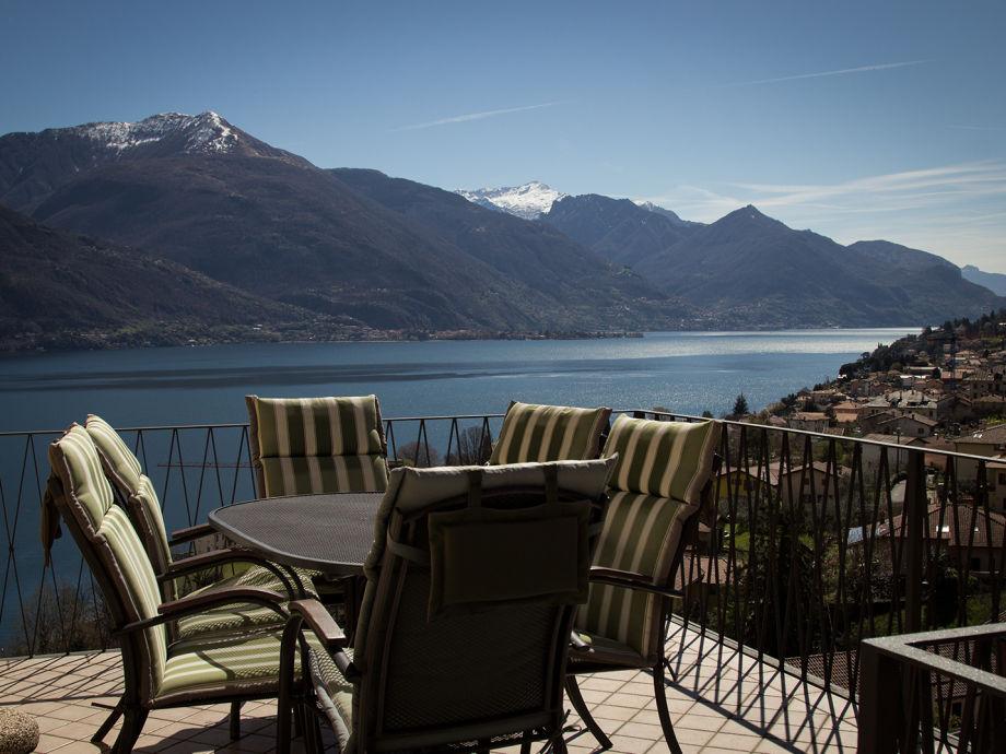 Der herrliche Seeblick vom Balkon der Ferienwohnung