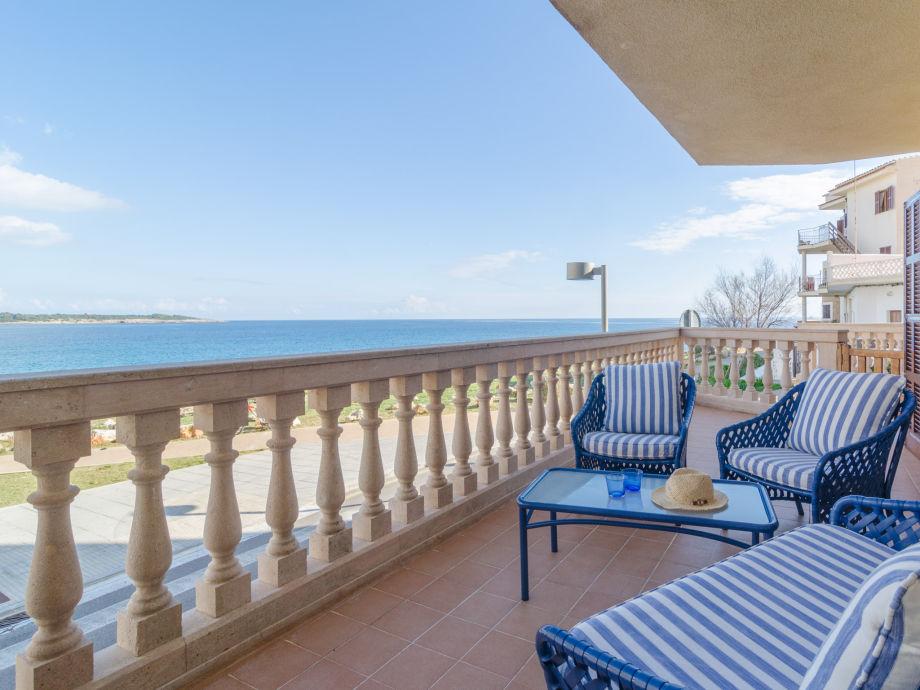 Terrasse mit Lounge und Ausblick