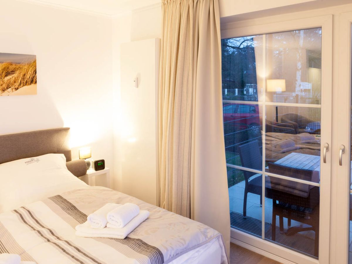 ferienwohnung strandallee 200 wg 102 timmendorfer strand. Black Bedroom Furniture Sets. Home Design Ideas
