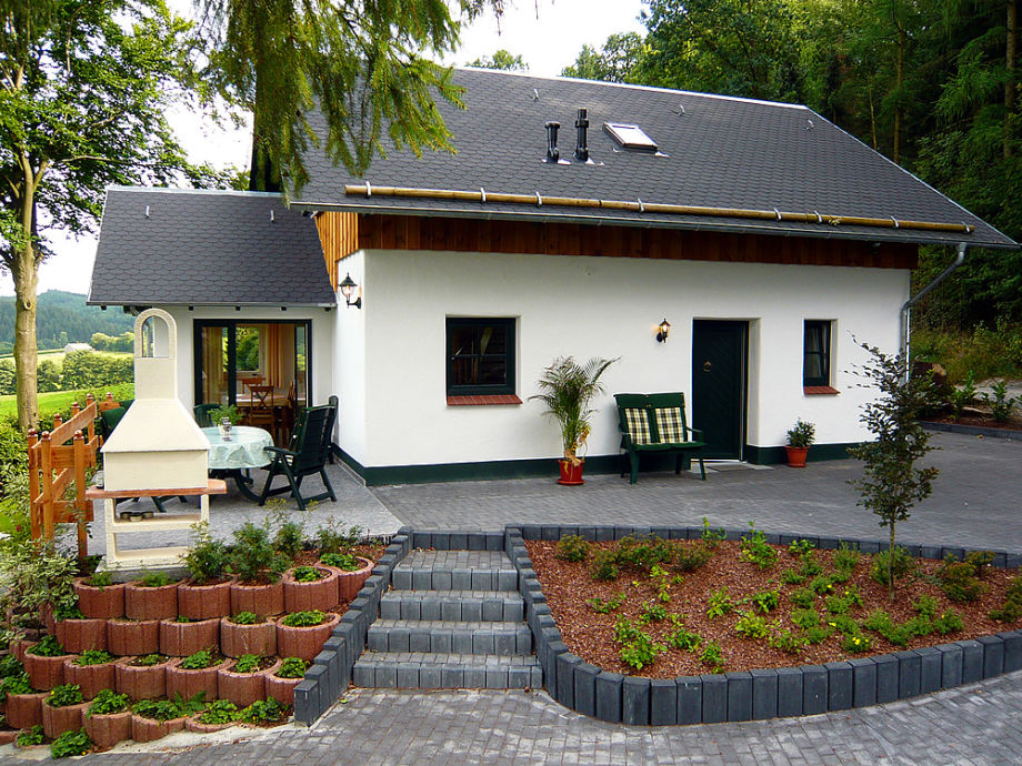 """Komfort-Ferienhaus """"Waldfrieden"""""""