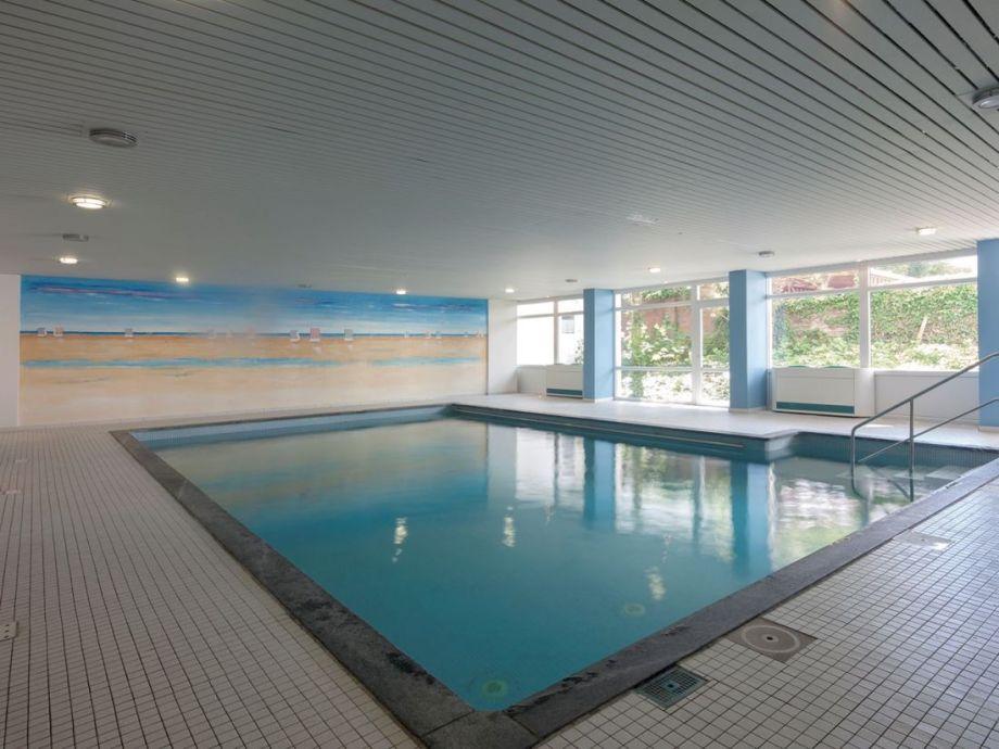 Ziehen Sie Bahnen im eigenen Schwimmbad