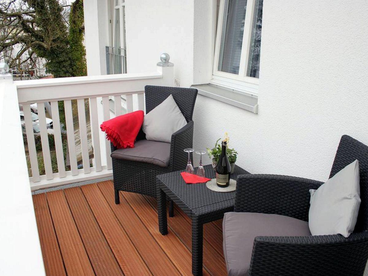 ferienwohnung 8 in der villa saxonia binz firma appartementvermittlung klitzsch frau petra. Black Bedroom Furniture Sets. Home Design Ideas