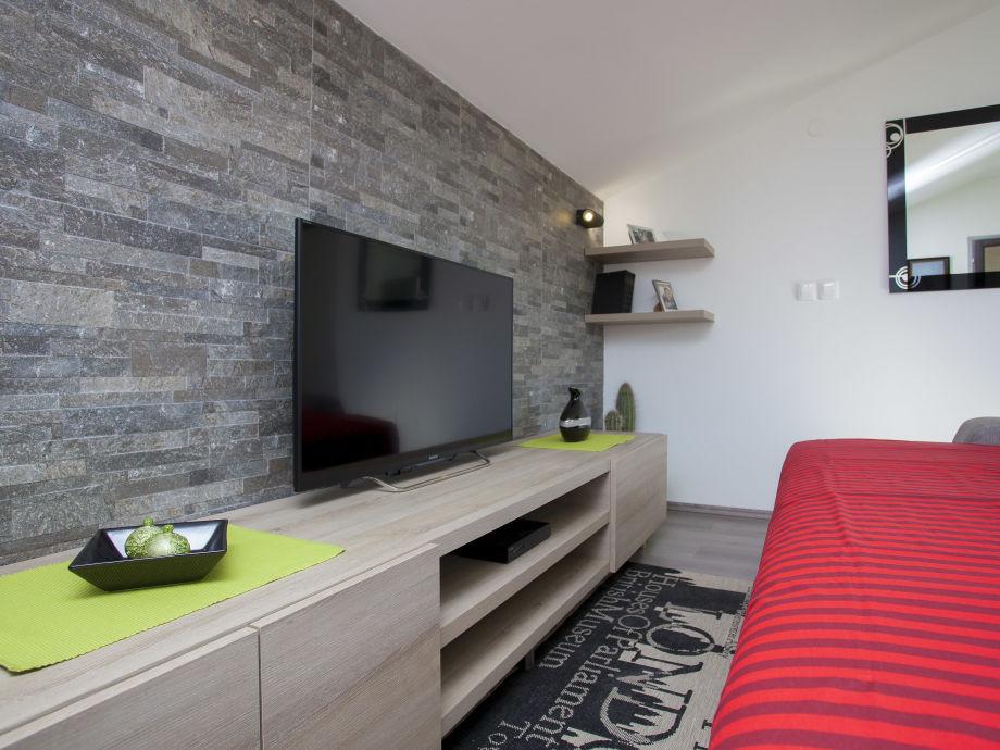 Flat TV mit SMART TV