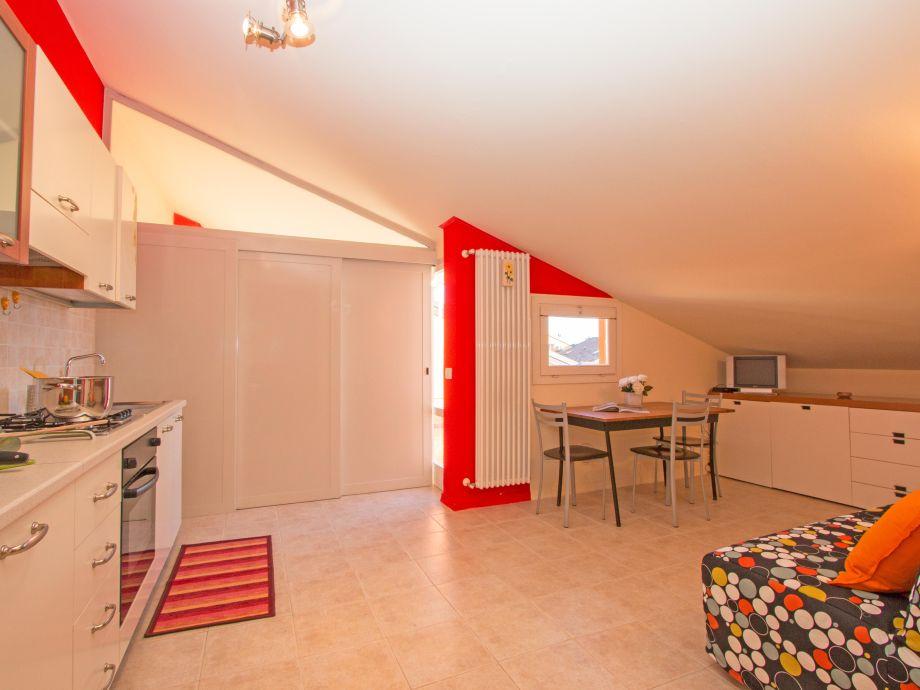 ferienwohnung garden ville 1 sirmione gardasee firma iamholiday s r l frau sonia sinibaldi. Black Bedroom Furniture Sets. Home Design Ideas