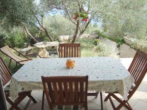 Ferienwohnung Villa Mare e Fiori Apartment Garden
