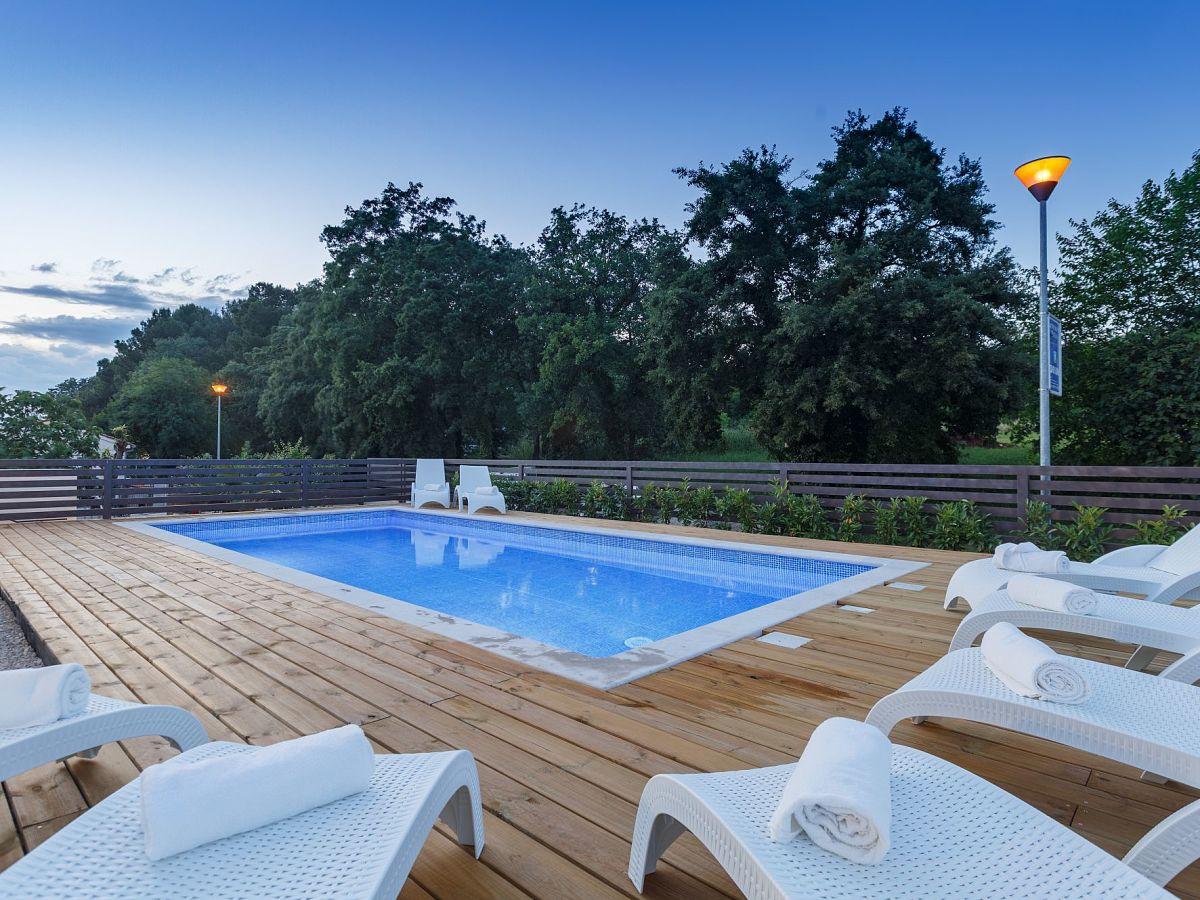Kleiner Kühlschrank Expert : Ferienwohnung laura mit pool funtana firma istra expert by