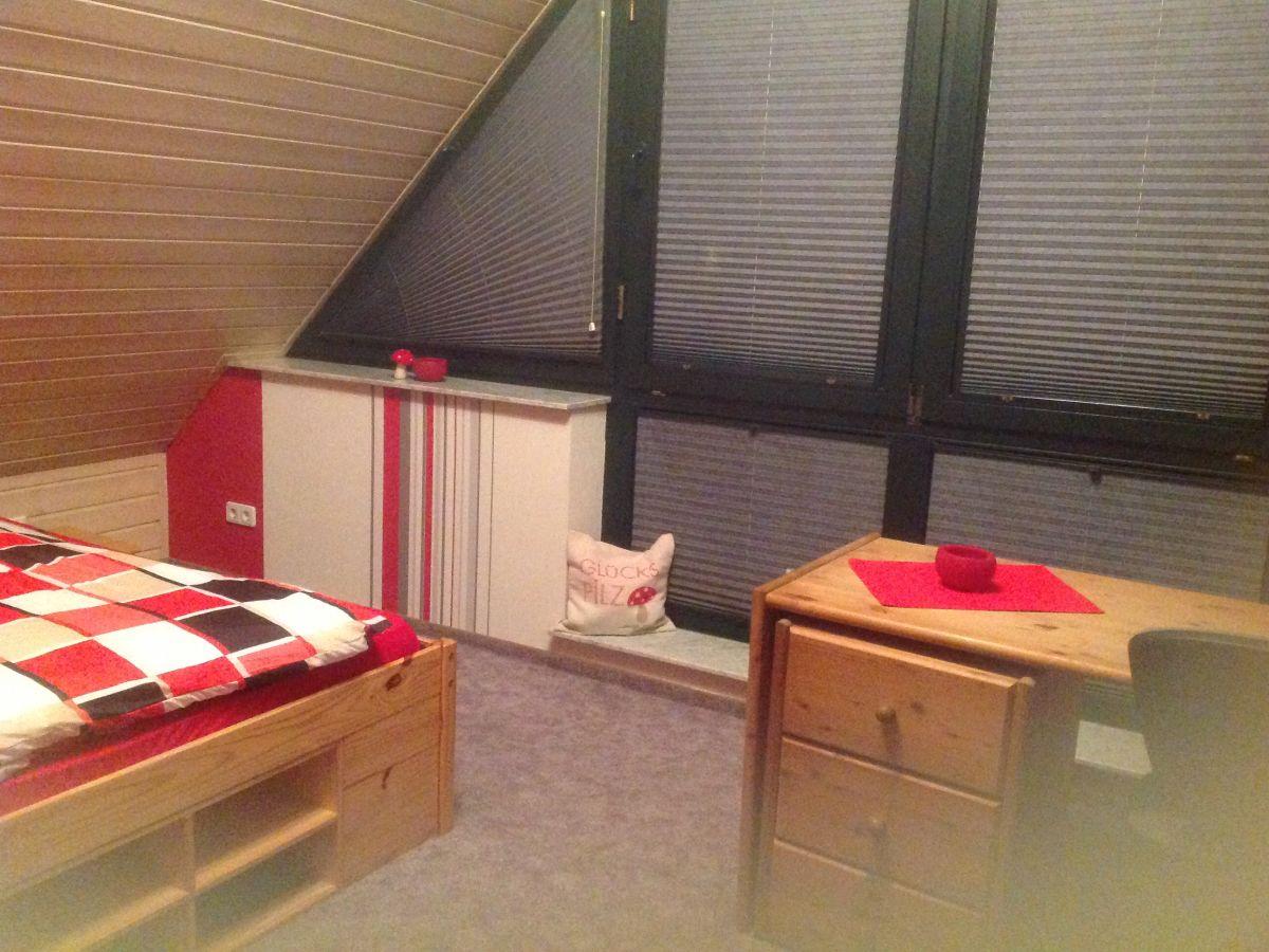 Ferienhaus kamperlings niederrhein familie heiner und for Schlafzimmer dachgeschoss