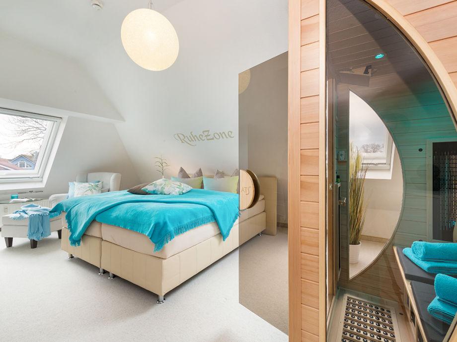 Wellness-Schlafzimmer mit Infrarotkabine