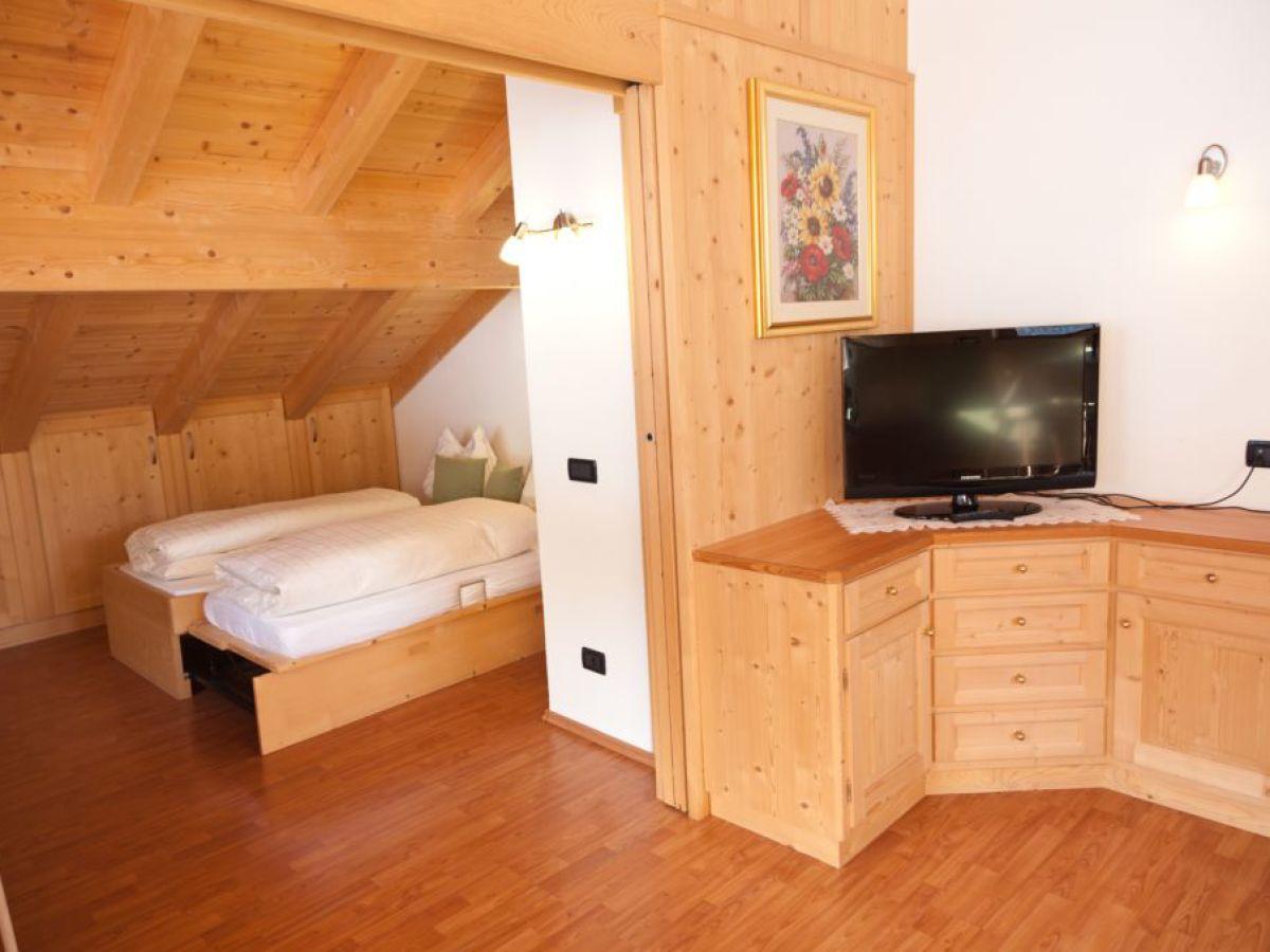 Ferienwohnung p tia badia firma appartment confolia for Kinderzimmer clara