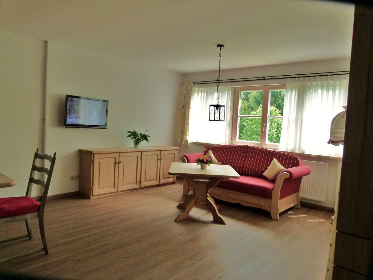 ferienwohnung krenn tegernseer tal oberbayern la mb s dlich v mchn firma ferienwohnungen. Black Bedroom Furniture Sets. Home Design Ideas