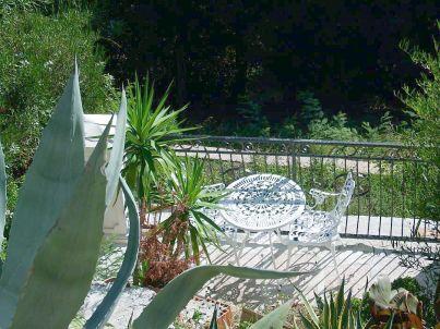 mit Panoramablick auf die Côte d'Azur