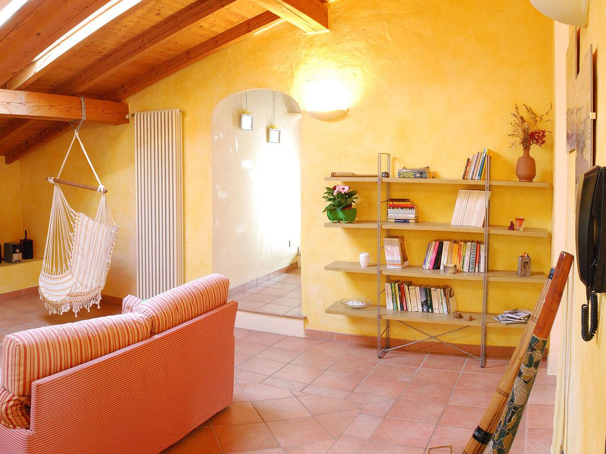 landhaus colonna gardasee frau marcella tononi. Black Bedroom Furniture Sets. Home Design Ideas