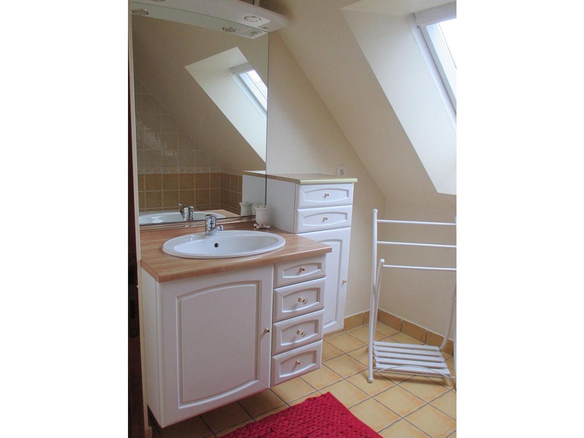 Ferienhaus f1200 damgan bo morbihan bretagne firma m a for Badezimmer mit dusche und wanne