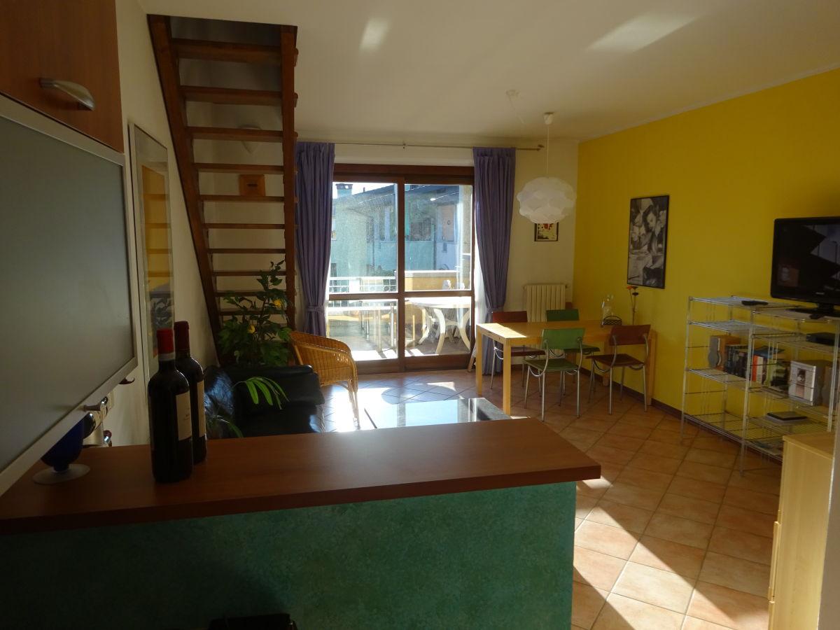 ferienwohnung mit seeblick manerba del garda herr alois kaiser. Black Bedroom Furniture Sets. Home Design Ideas