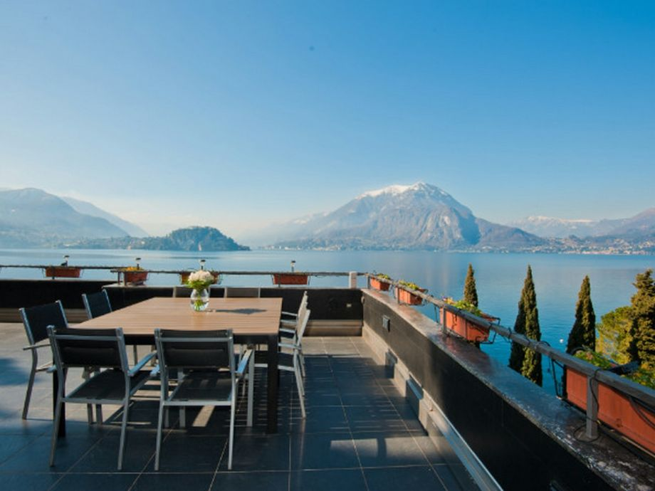 Enjoy a meal together with an amazing view