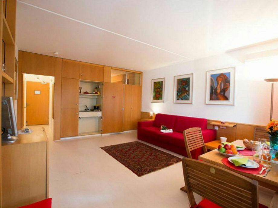 apartment lago di lugano family 1444 bissone lago di lugano tessin schweiz firma happy. Black Bedroom Furniture Sets. Home Design Ideas