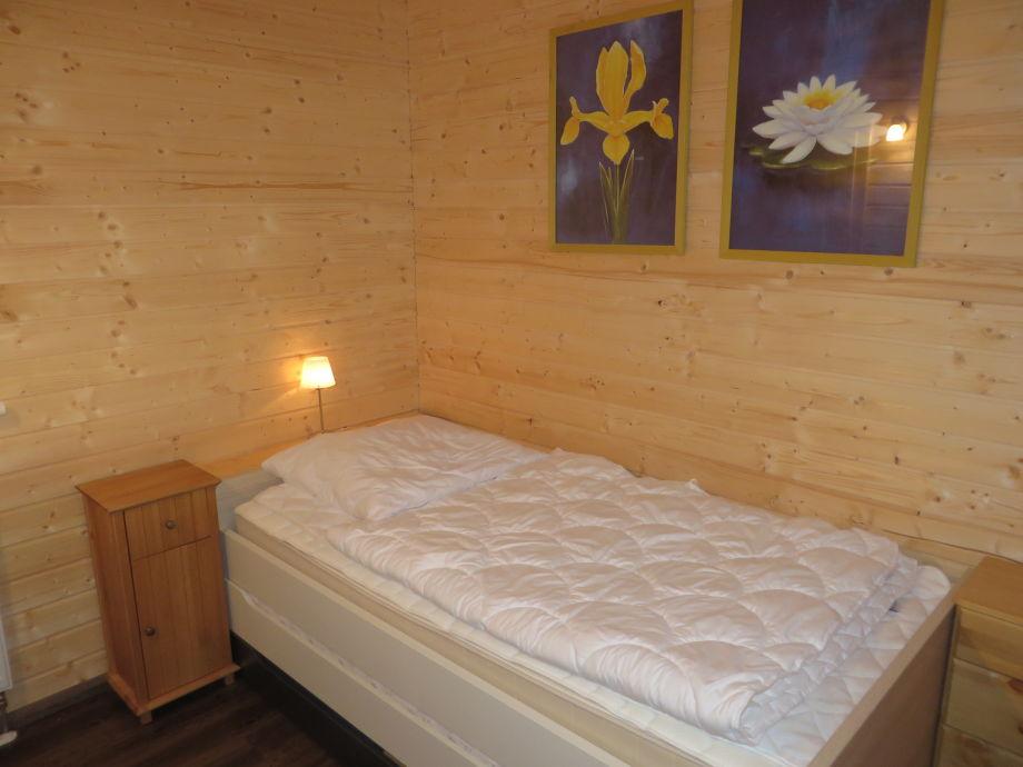 ferienhaus seepfadh usle eifel laacher see firma eifel see familie barchewitz nass. Black Bedroom Furniture Sets. Home Design Ideas