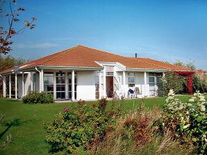 """Romantik im komfortablem Ferienhaus """"Am Ufer 6"""" in Trent Vaschvitz"""