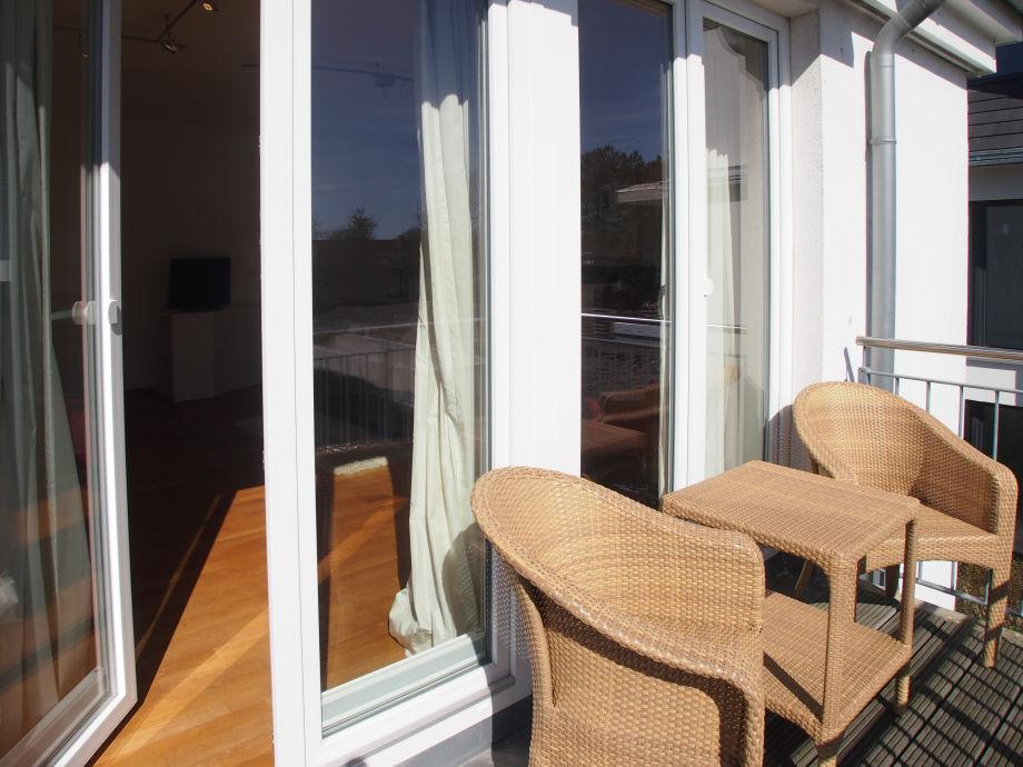 Ferienwohnung strand 68 niendorf timmendorfer strand for Markise balkon mit strand tapete