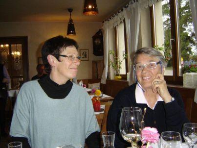 Ihr Gastgeber Hildegard Franke und Ingrid Krüger