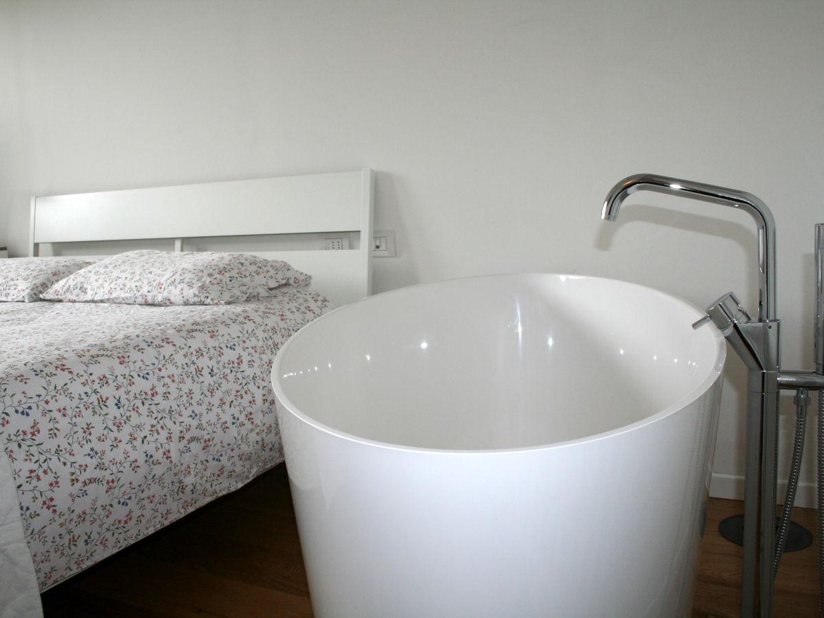 villa regina ledrosee oberitalien gardasee firma flughundreisen frau regine winter. Black Bedroom Furniture Sets. Home Design Ideas