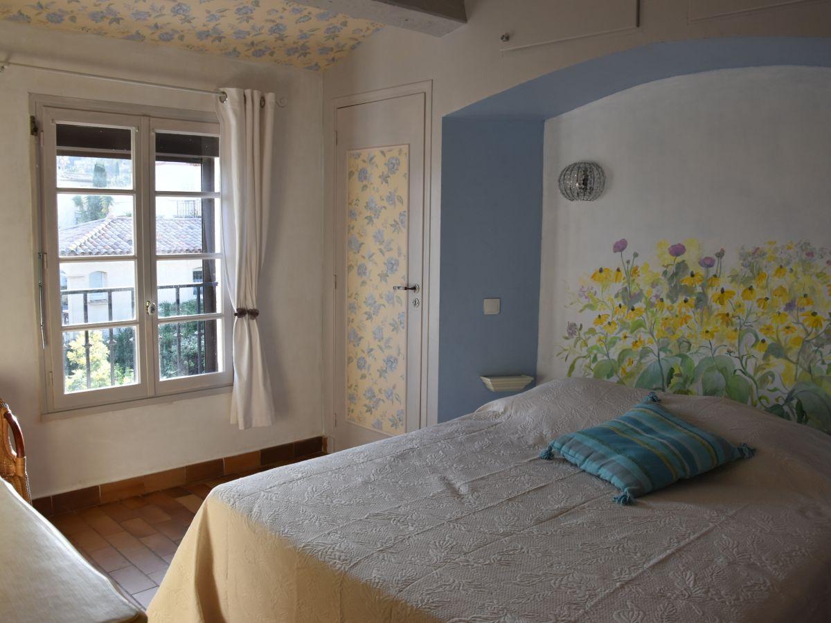 Ferienhaus le mas fleury cote azur var firma sci le boucaniers 2 frau maria pelissier for Romantisches schlafzimmer