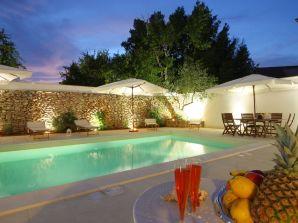 Ferienwohnung luxury courtyard bilo