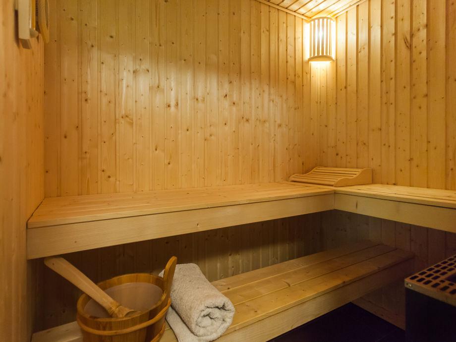 ferienwohnung strandvilla baabe 15 ostsee r gen firma fewo meer f hrer. Black Bedroom Furniture Sets. Home Design Ideas