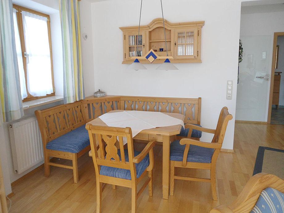 Gemütlicher Essbereich mit Sitzecke