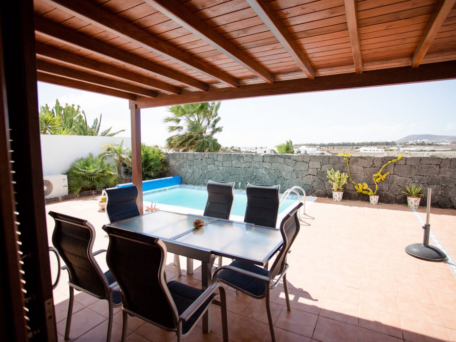Terrasse mit Privat-Pool (beheizbar)
