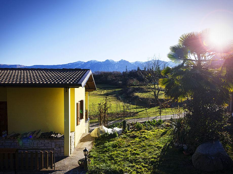 Ferienhaus Casa Martenech mit Bergblick