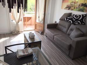 Ferienwohnung P12 mit Balkon