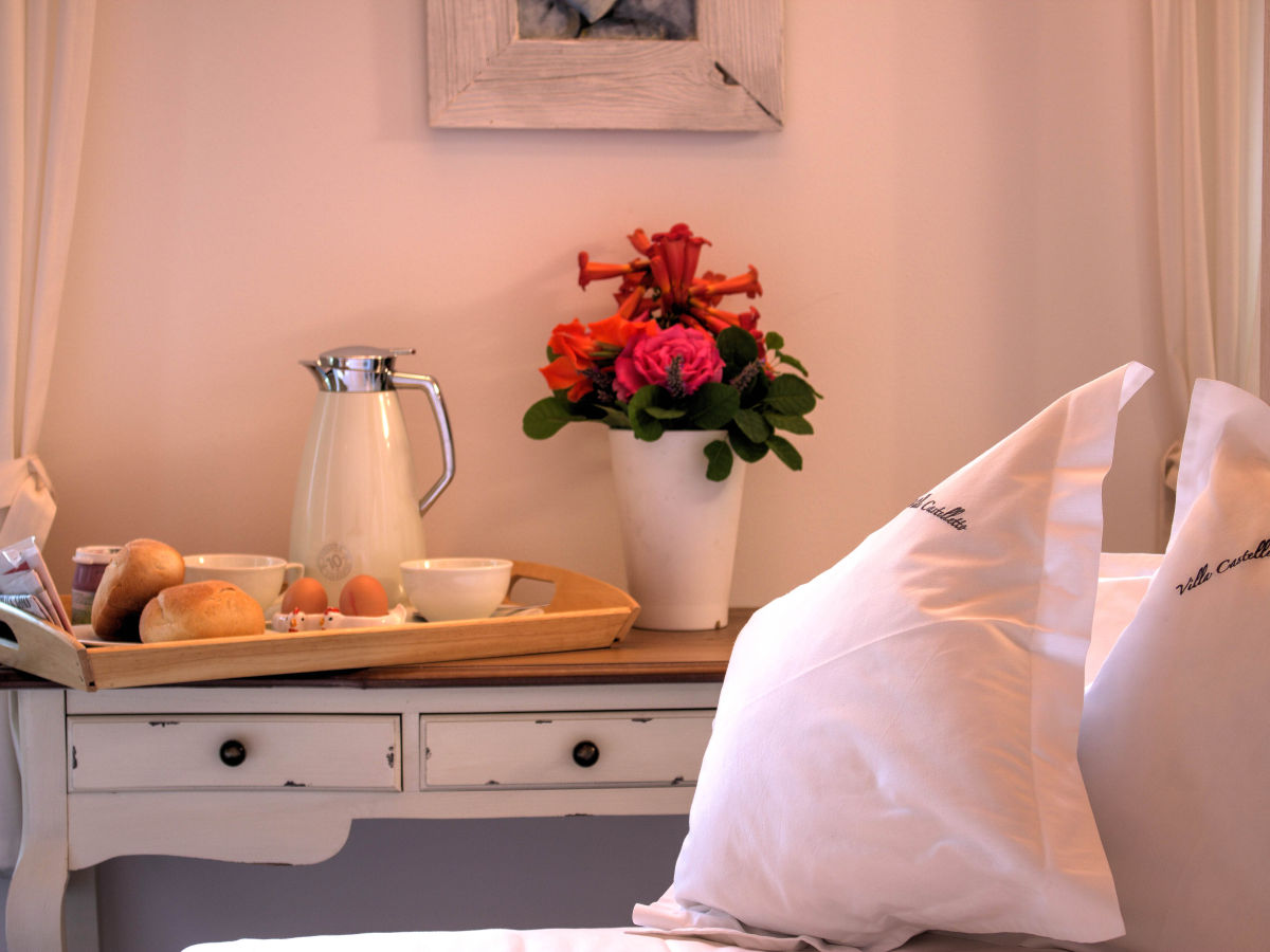 villa castelletto venetien gardasee firma hofer. Black Bedroom Furniture Sets. Home Design Ideas