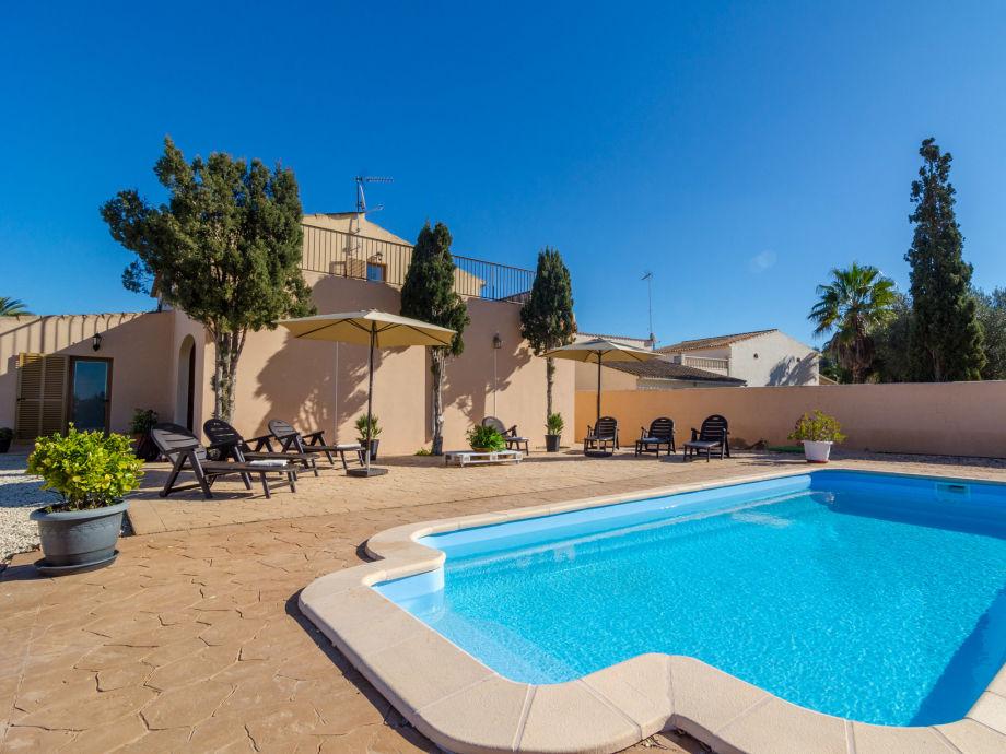 The impressive villa with pool