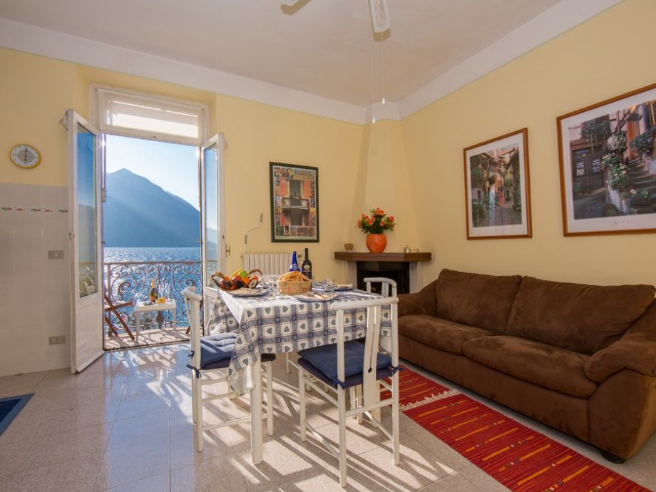 ferienwohnung bella varenna 346 varenna comer see lombardei italien firma lake como. Black Bedroom Furniture Sets. Home Design Ideas