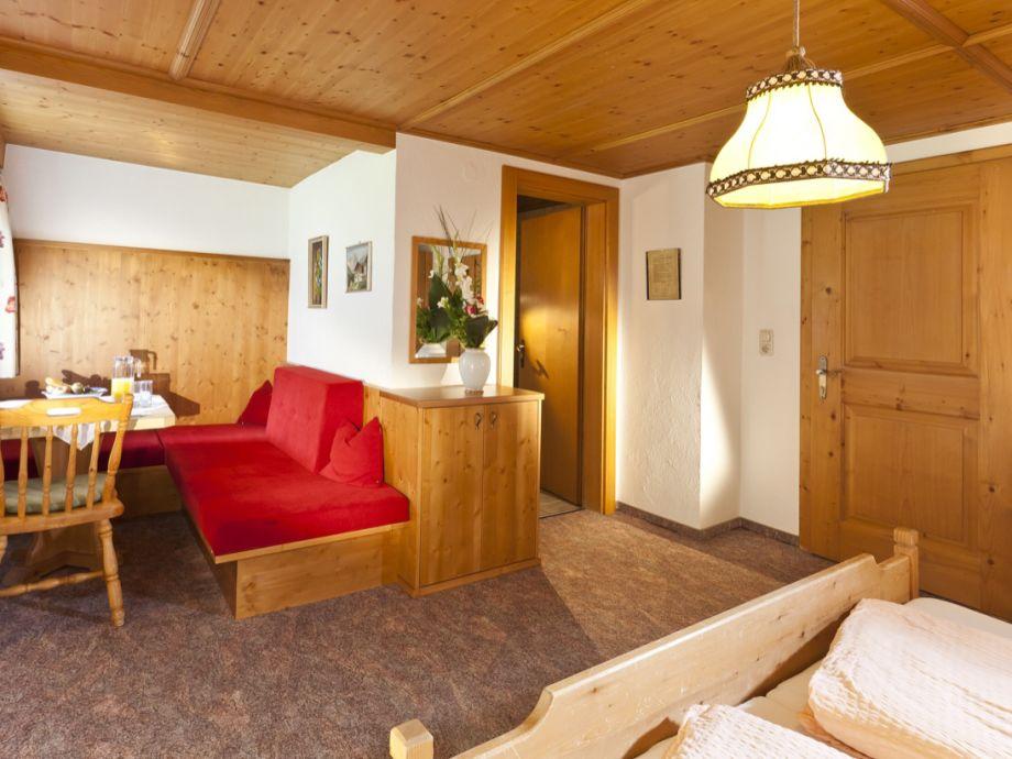 apartment f r 2 4 personen haus alpenrose l ngenfeld frau bernadette kuprian. Black Bedroom Furniture Sets. Home Design Ideas