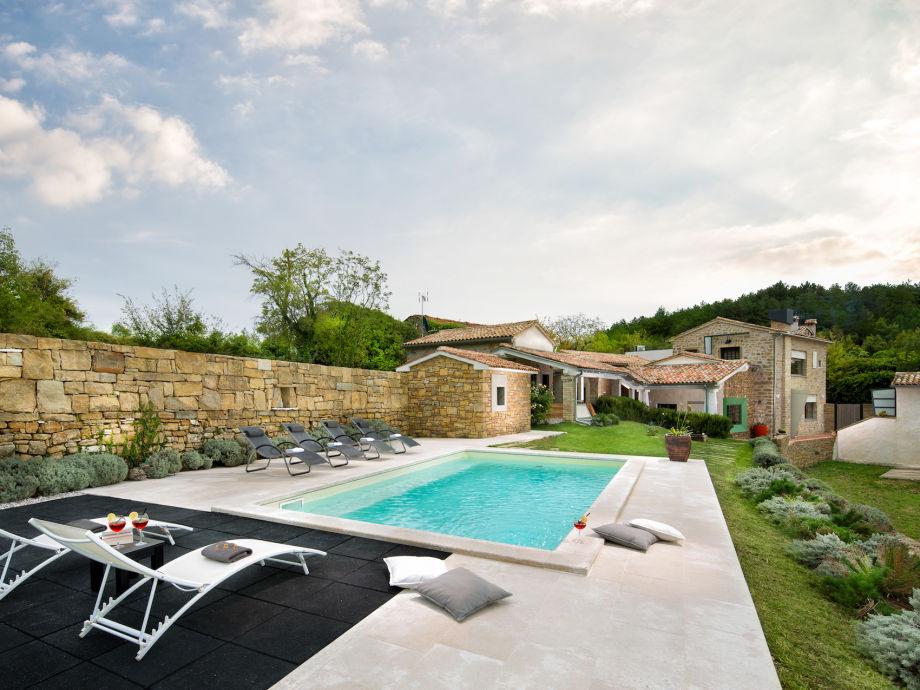 Außenaufnahme Villa Bencani