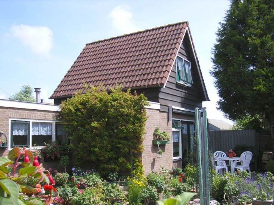 Außenaufnahme Renoviertes Ferienhaus (AL043)